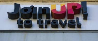 L'agence de touristes se joignent  images libres de droits