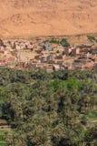 L'agricoltura alla collina pedemontana nella città di Tinghir, Marocco Immagini Stock