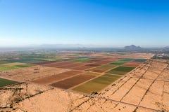 L'agricoltura sulle periferie di Phoenix, Arizona ha osservato da sopra Immagini Stock Libere da Diritti