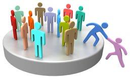 L'aide se joignent vers le haut des gens d'affaires sociaux Image libre de droits