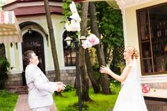 L'ajouter de mariage au mariage joue, des lapins, lapins Images stock