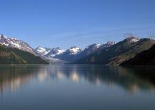 L'Alaska s'est reflété Image libre de droits
