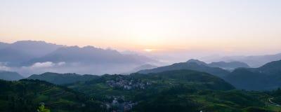L'alba al bello terrazzo del riso sistema in Mingao immagini stock libere da diritti
