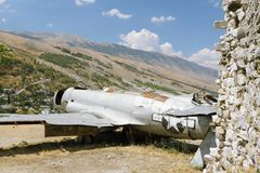 l'Albanie, Gjirokaster, Reamins des aéronefs de l'U.S. Air Force Images stock