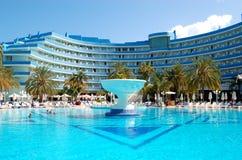 L'albergo di lusso mediterraneo del palazzo Fotografia Stock Libera da Diritti