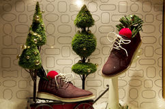 L'albero di Natale accende il grande magazzino Fotografie Stock