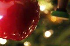 L'albero di Natale Apple orna Immagine Stock