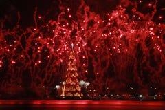 L'albero di Natale Lagoa Rodrigo de Freitas è inaugurato con i fuochi d'artificio Fotografie Stock Libere da Diritti
