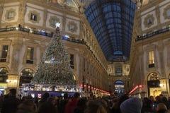 L'albero di Natale nella galleria Vittorio Emanuele fotografia stock