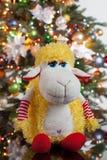L'albero di Toy And New Year immagine stock