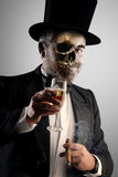 L'alcool et les cigares sont de mort Photographie stock