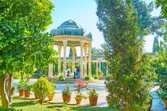 L'alcova di Hafez Tomb nei giardini di Mussala, Shiraz, Iran fotografie stock