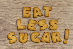 L'alfabeto a forma di dire dei biscotti mangia il meno zucchero Fotografia Stock Libera da Diritti