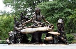 L'Alice dans la sculpture du pays des merveilles, Central Park New York. Photos libres de droits
