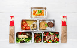 L'alimento sano porta via in scatole, vista superiore a legno Fotografia Stock Libera da Diritti