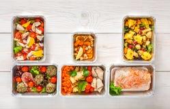 L'alimento sano porta via, vista superiore a fondo di legno Fotografie Stock Libere da Diritti