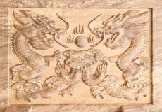L'allégement du dragon sur le marbre images stock
