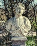 L'allégorie du buste de juin dans Catherine Park dans Tsarskoye Selo Image stock