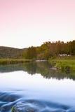 L'Allemagne, Bavière, Burg Neideck avec de l'eau calme photos stock