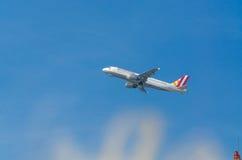 L'Allemand s'envole Airbus A320-200 pendant le démarrage Image stock