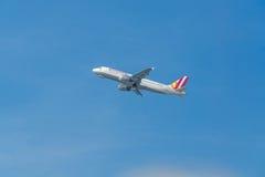 L'Allemand s'envole Airbus A320-200 pendant le démarrage Image libre de droits
