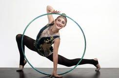 L'allenamento mette in mostra le attività in palestra della ragazza flessibile Forma fisica ed essere a dieta del successo e dell Immagine Stock Libera da Diritti