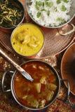L'alluminio di Khatta è un curry della patata dal Gujarat Fotografie Stock
