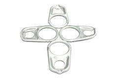 L'alluminio di tirata dell'anello della latta, schiocco di alluminio completa su fondo bianco. Fotografia Stock Libera da Diritti