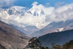 L'allungamento della montagna all'orizzonte Fotografia Stock Libera da Diritti