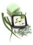 L'aloe vera va, sapone e sale di bagno handmade Fotografia Stock