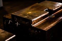 L'alta precisione muore muffa per fondere le parti di alluminio automobilistiche fa con lo stee del metallo del ferro fotografie stock libere da diritti