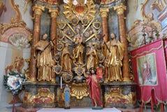 L'altare del rosario santo nella chiesa della nostra signora della neve in Belec, Croazia Immagini Stock