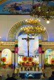 L'altare della chiesa di Lucban, San Louis Obispo Parish, provincia di Quezon, Filippine Fotografia Stock