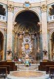 L'altare di vecchia chiesa a Roma Fotografie Stock Libere da Diritti
