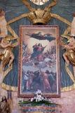 L'altare principale nella chiesa del presupposto di vergine Maria benedetto in Pakrac, Croazia Immagini Stock