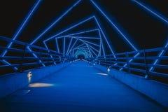 L'alto ponte di traccia del cavalletto in Boone, Iowa durante la notte fotografie stock