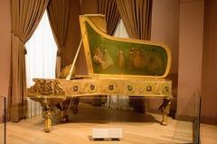 L'Amérique recevant le piano de neuf Muses images libres de droits
