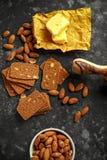 L'amande amincit des biscuits avec les écrous et le beurre fait par maison Photographie stock libre de droits