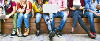 L'amitié d'unité d'amis heureuse apprécient le concept Images libres de droits