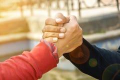 L'amitié rend la vie réussie et parfaite Photographie stock