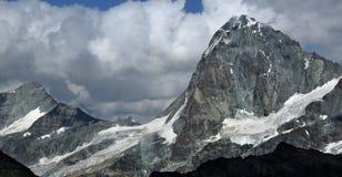L'ammaccatura Blanche nelle alpi svizzere Fotografie Stock Libere da Diritti