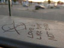 L'amore è come il punk: non completamente fotografie stock