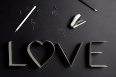 L'amour de mot composé des lettres de carton Images libres de droits