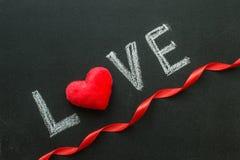 L'amour de mot sur le tableau Photo libre de droits