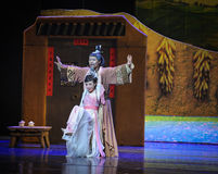 L'amour de père aiment une lune de ballet de montagne-Hui au-dessus de Helan Images libres de droits