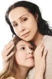 L'amour et la tendresse de l'enfant. Image stock