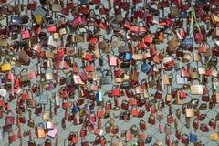 L'amour ferme à clef le pont, Salzbourg, Autriche Images libres de droits