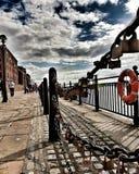 L'amour ferme à clef le rhe Albert Dock de l'AR Image libre de droits