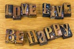 L'amour vivant soit message inspiré heureux Images libres de droits