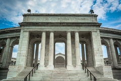 L'amphithéâtre commémoratif d'Arlington au ressortissant Cemete d'Arlington photo libre de droits